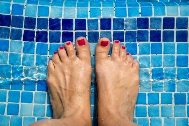 Дадут ли справку в бассейн с грибком ногтей