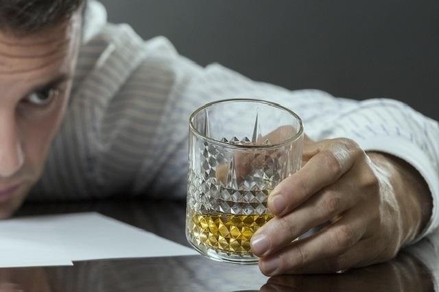 Колю мовалис можно ли алкоголь