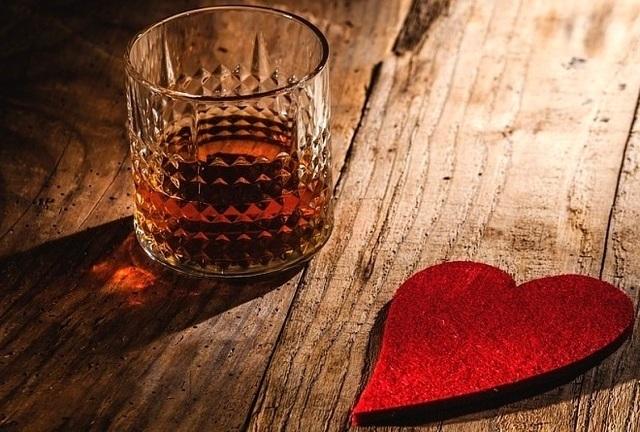 Можно ли употреблять алкоголь при аритмии сердца?
